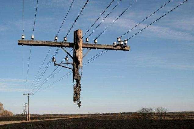 17. 17. Это не шутка и не фотошоп, это действительно частично разрушенная линия связи в России мир, природа, странности, фотографии, человек