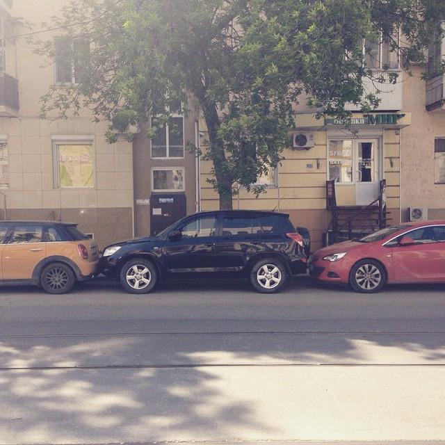 И невероятный уровень парковочного мастерства города, прикол, россия, ростов-на-дону