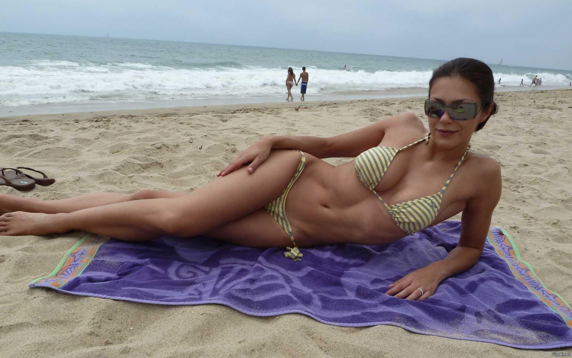 Частные фото пляж, Частное фото девушек на пляже 19 фотография