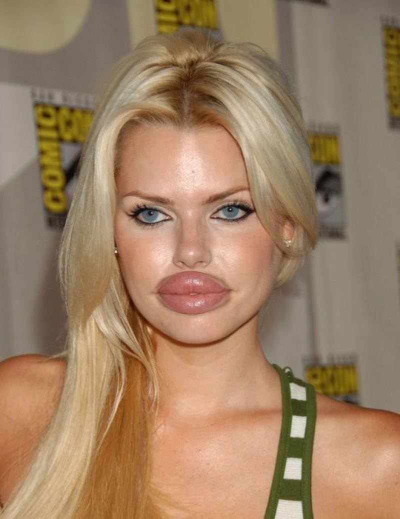 Всем ли парням нравятся пухлые губы 120