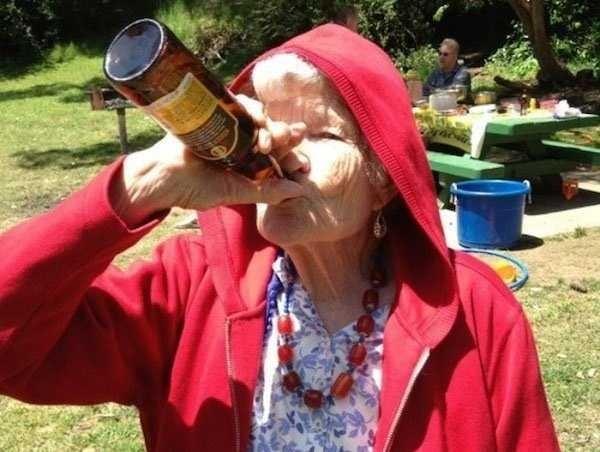 Прикольные картинки пьяная бабка, открыток офсетом