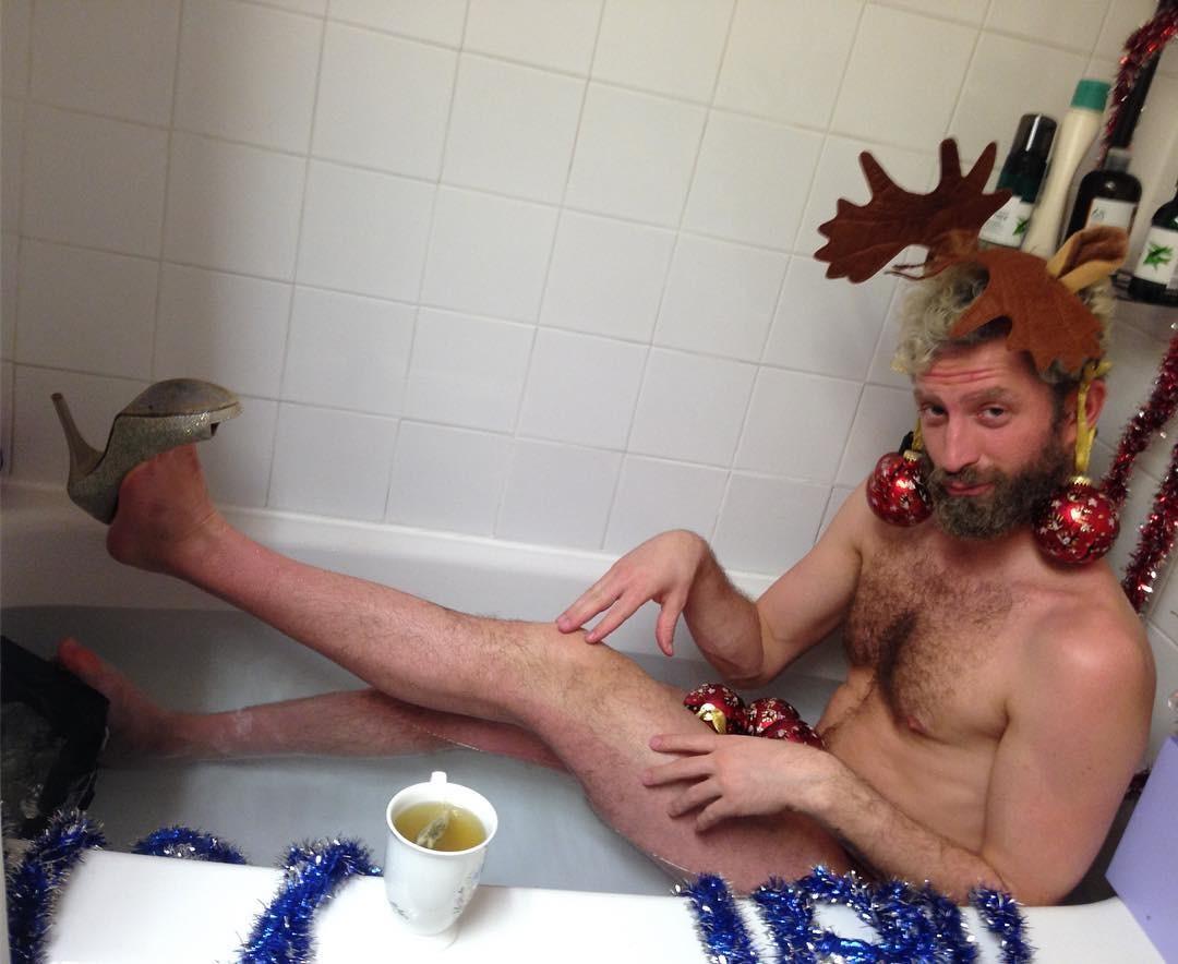 мужики в ванной - 13