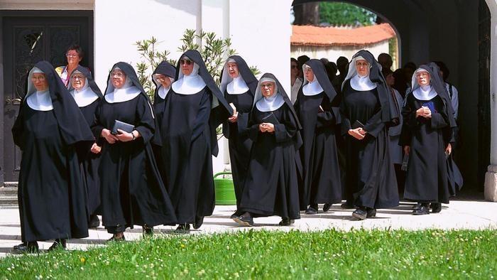 порна монашками фото
