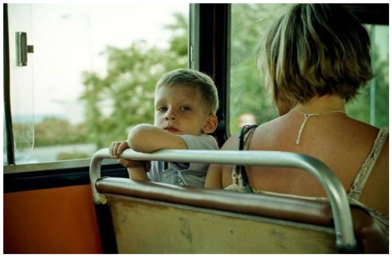 Блондинка мамаша и пареньок