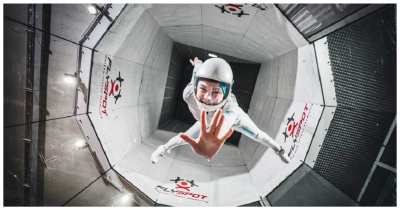 16-летняя девочка-подросток танцует в аэротрубе как богиня! аэротруба, видео, танец