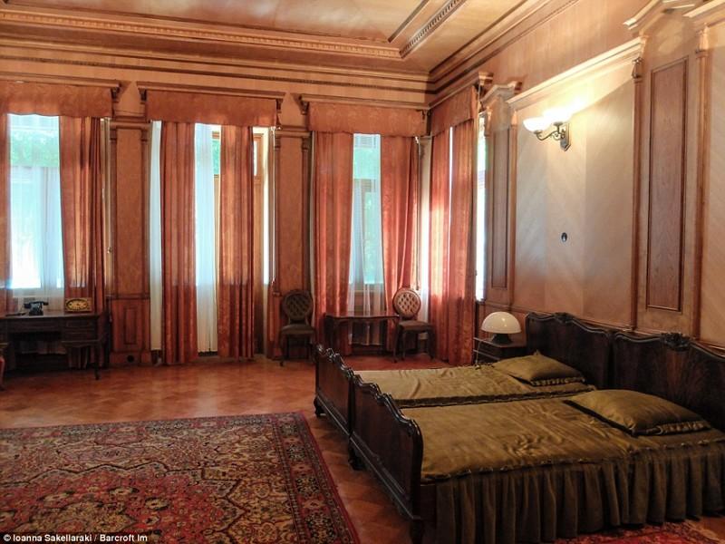 Как выглядит дача Сталина на озере Рица в Абхазии вождь, дача, фото