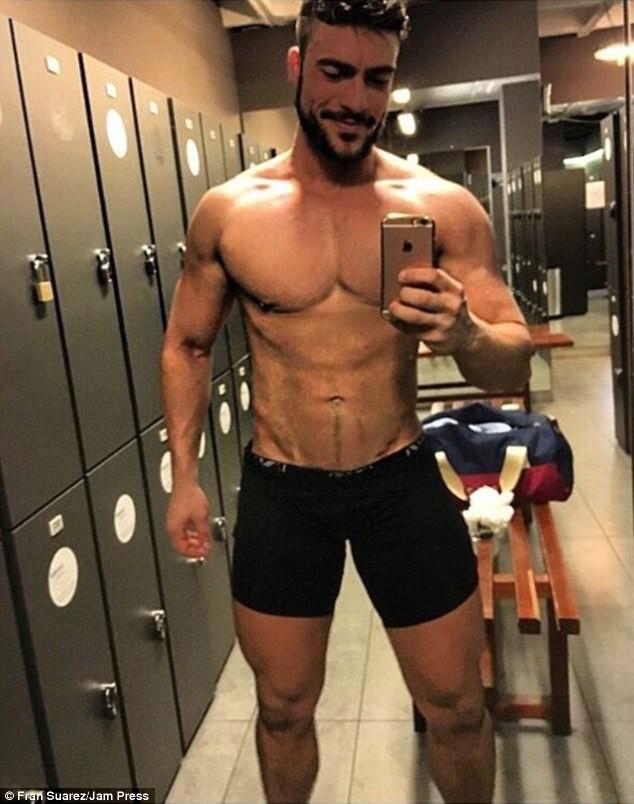 Сексуальные парни испании