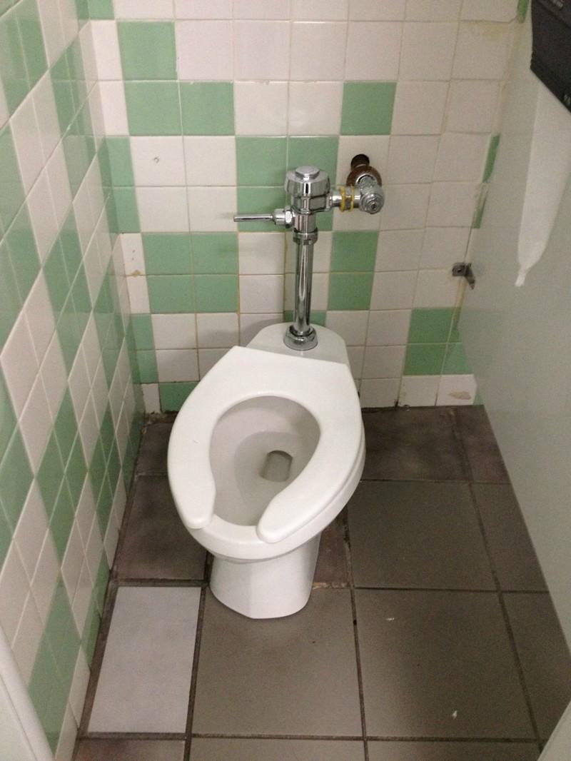 13. Туалет без бачка мир, странность, фотографиями