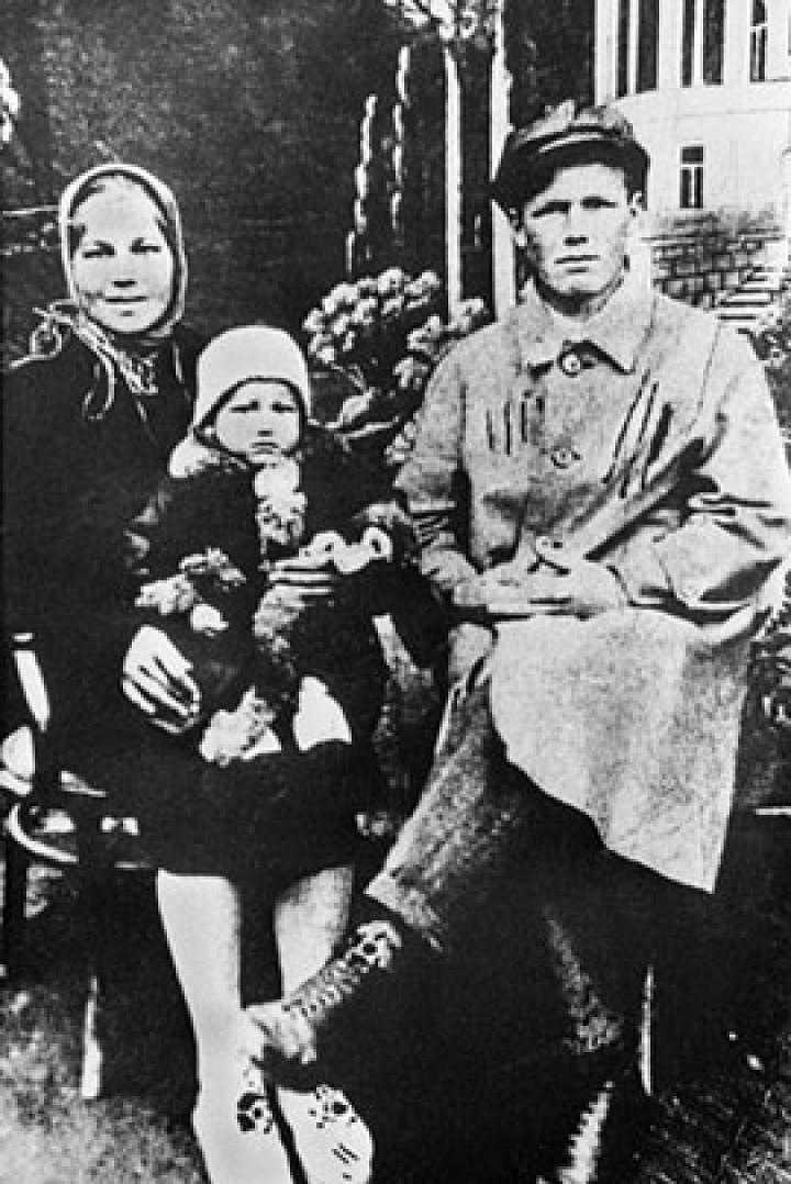 1 9368327 - Кем были родители великих людей и знаменитостей