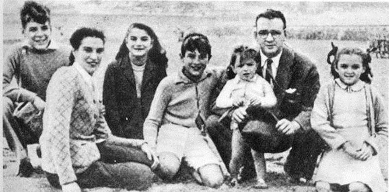 1 9368343 - Кем были родители великих людей и знаменитостей