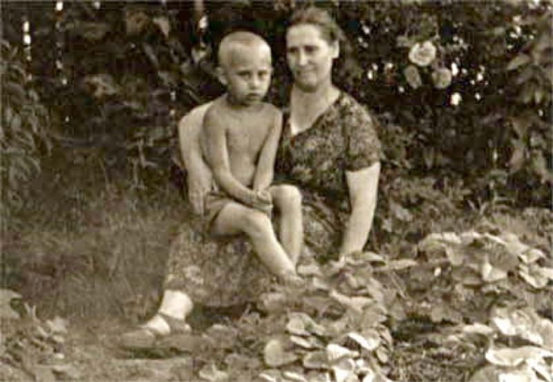3 9368331 - Кем были родители великих людей и знаменитостей