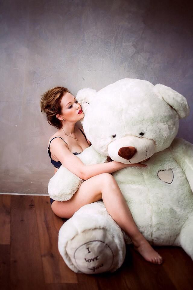 Русская девушки с игрушкой на двоих трансы москва смотреть