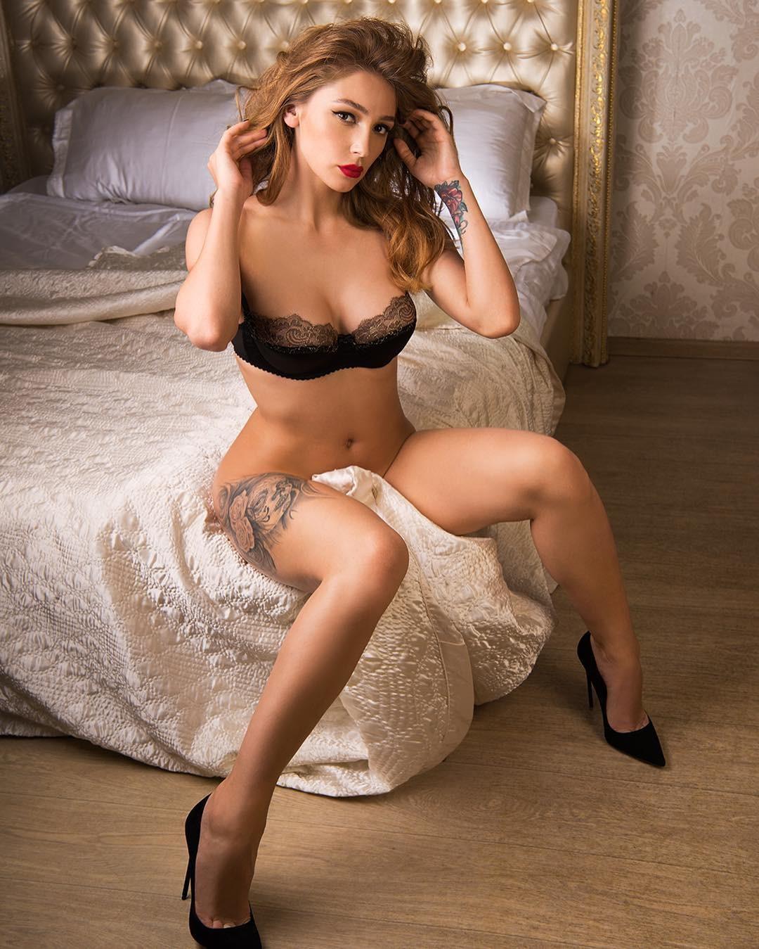 Голая Ирина Тонева на фото из Максим Плейбой FHM и XXL