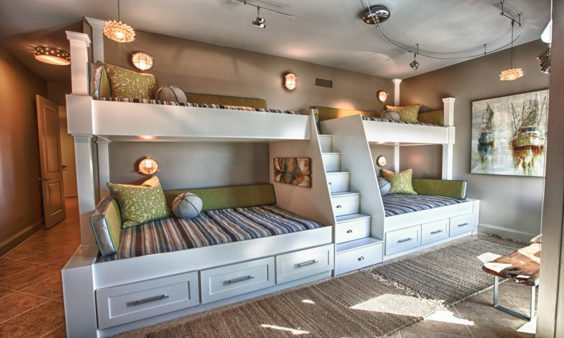 Потому как спальных мест не обязательно должно быть именно два двухъярусная кровать, дизайн, идеи, маленькая квартира