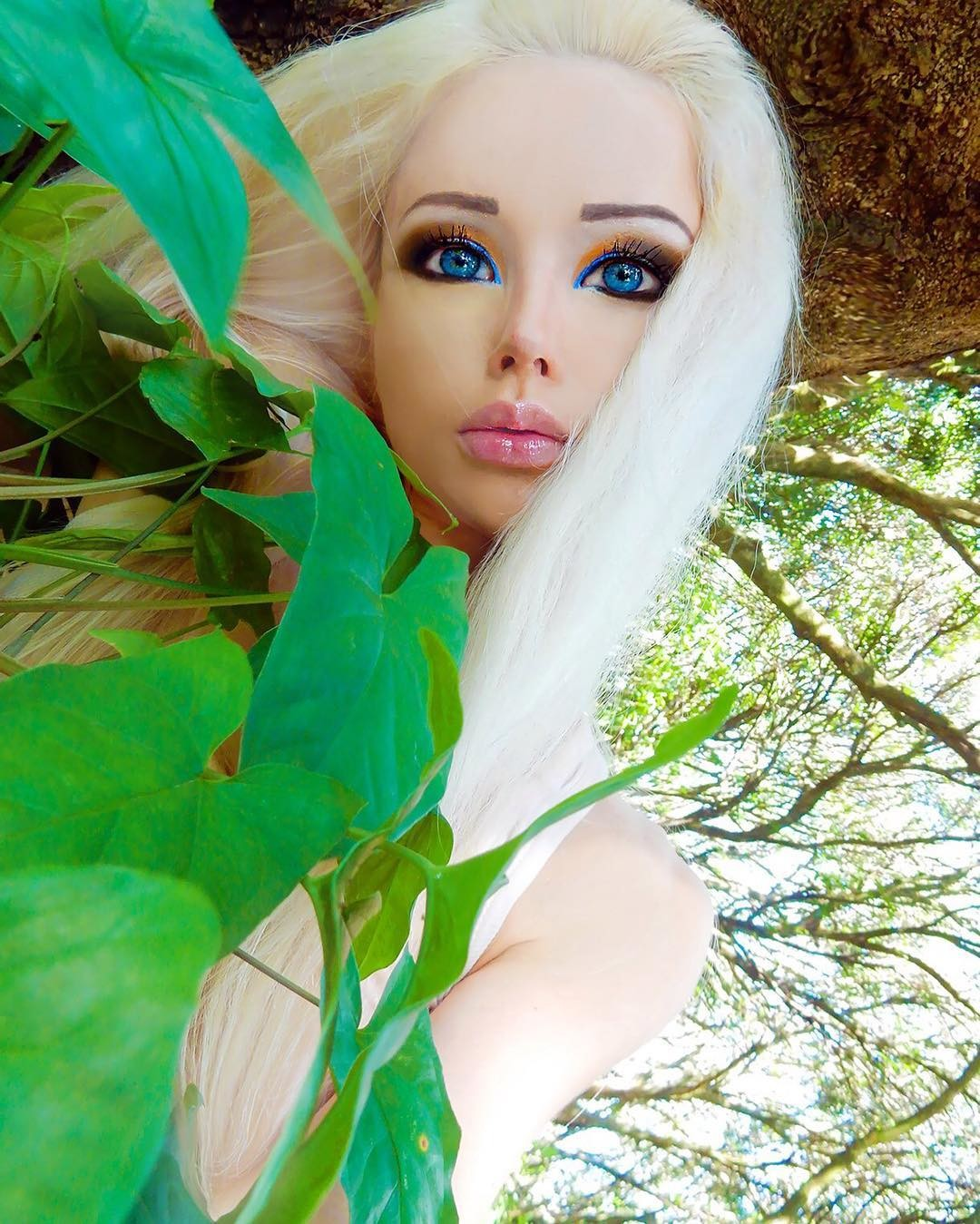 valeria lukyanova without makeup - 800×999