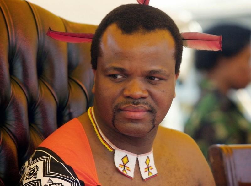 Тысячи голых девственниц на одном стадионе: как король Свазиленда выбирает жену от Anna за 26 апреля 2017 девственницы, король, свазиленд