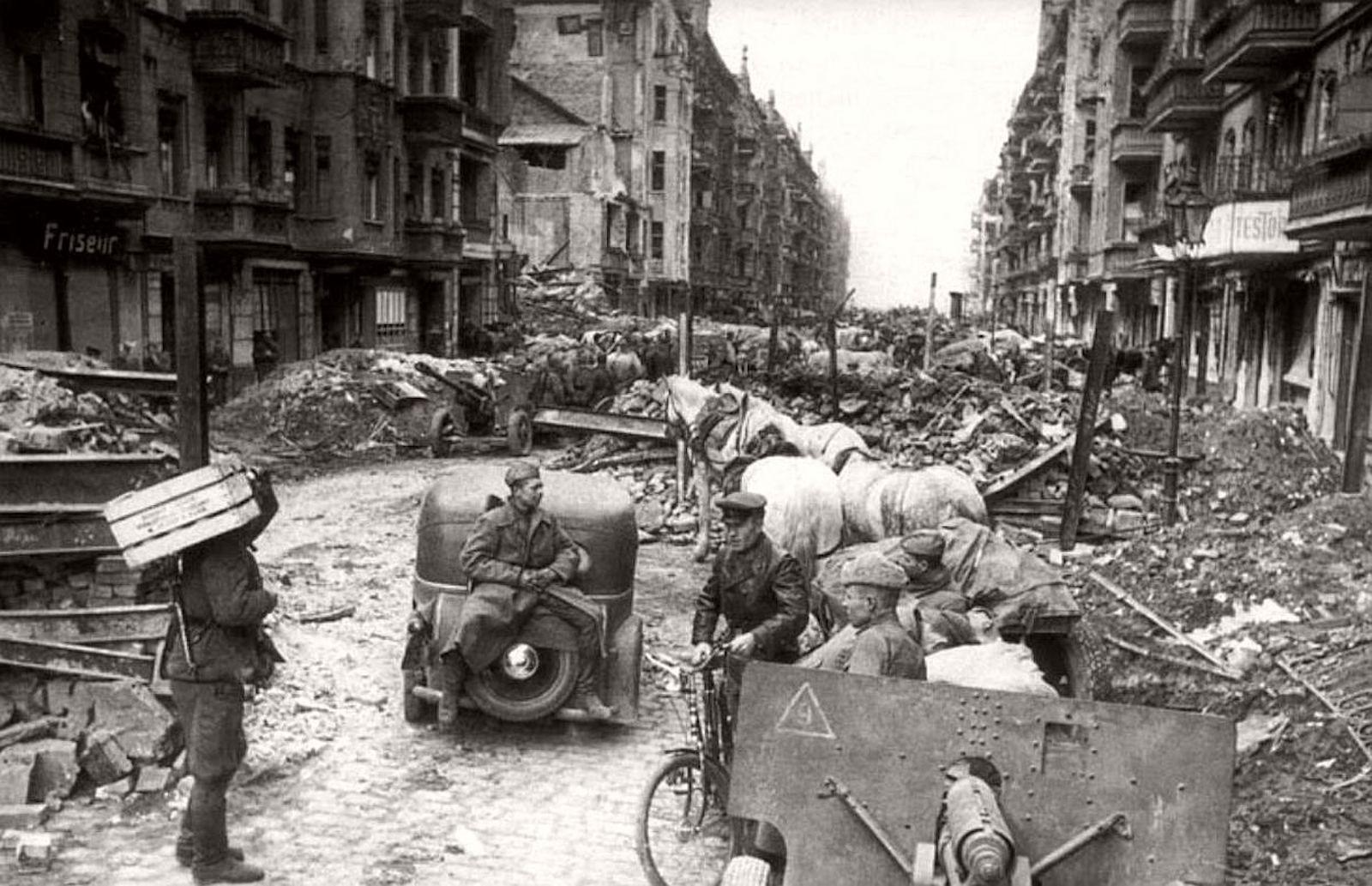 Штурм Рейхстага - силы немцев. Берлин 1945 фото