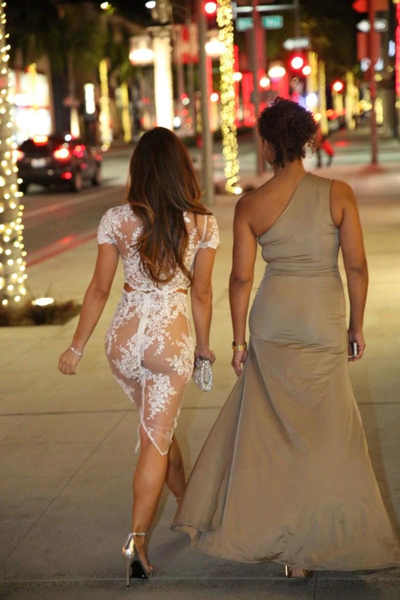 в прозрачной одежде ходят по улицам фото - 11