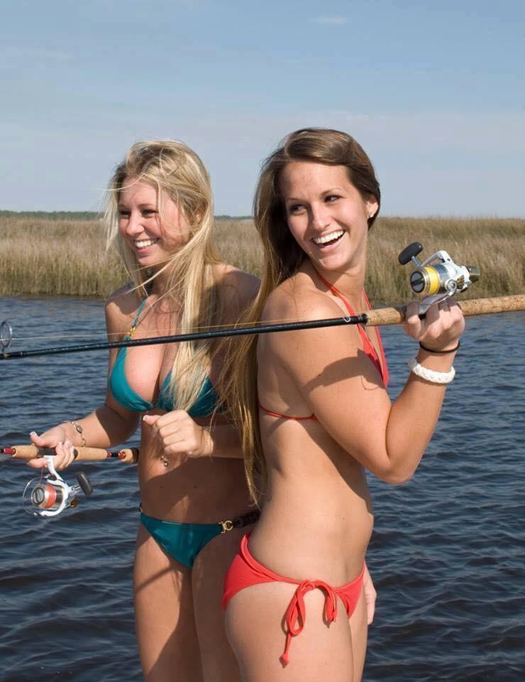 Nudists girls fishing — photo 14