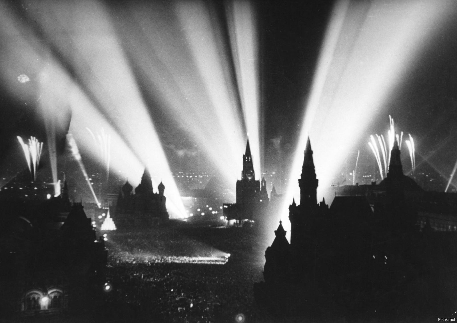 Фото день победы 1945 салют