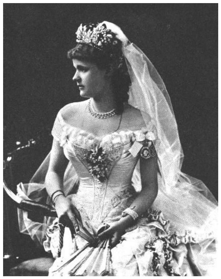 Принцесса Елена Фридерика Августа Вальдек-Пирмонтская, жена принца Леопольда, герцога Олбани. В честь Елены Вальдек-Пирмонтской назван сорт клематиса — 'Duchess of Albany'. интересное, исторические фото, история, принцессы