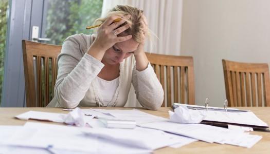 Почему люди живут в кредит