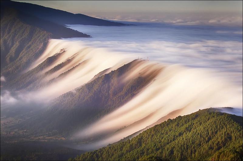 10. Облачное море перелилось через край, Канарские острова Прикольные фото, животные, чудеса