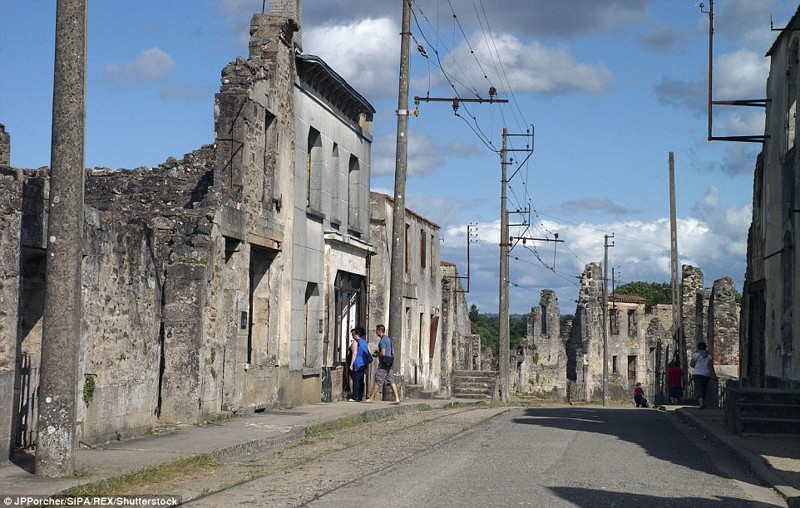 Орадур-сюр-Глан, Франция брошенные жилища, города, история, опустевшие города, оставленные дома, призраки, страшилки