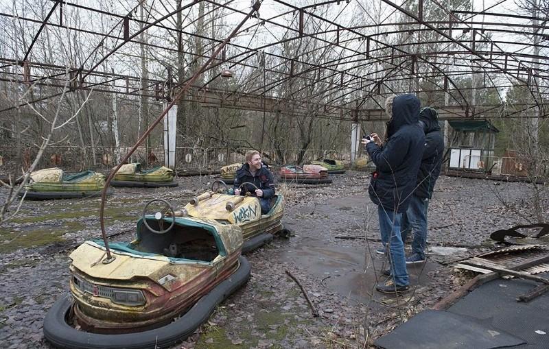 Туристы посещают экскурсии по жутким местам Припять, Чернобыль, взрыв, катастрофа, радиация, факты, фото, чернобыльская катастрофа