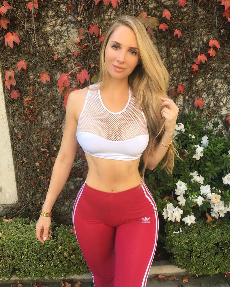 Канадская фитнес-модель Аманда Ли зарабатывает миллионы благодаря своей фигуре Instagram, Аманда Ли, внешность, деньга, модель, работа, фигура, фитнес
