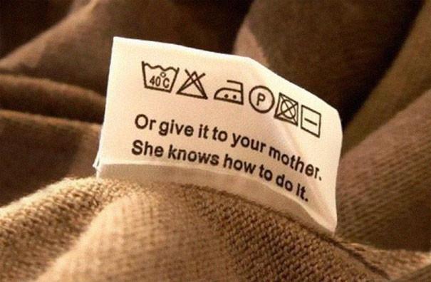 """""""Отдайте своей маме. Она знает, что с этим делать"""" инструкция по применению, креатив, правила, руководство, смешно, фото, юмор, ярлык"""