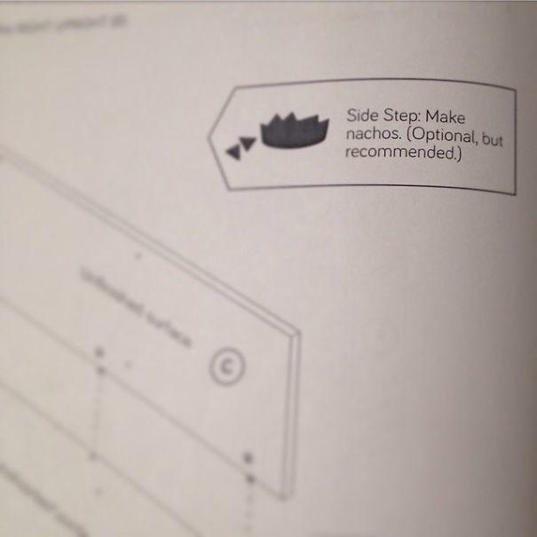 """Пометка на инструкции по сборке мебели: """"Поешьте чипсов (не обязательно, но мы рекомендуем)"""" инструкция по применению, креатив, правила, руководство, смешно, фото, юмор, ярлык"""