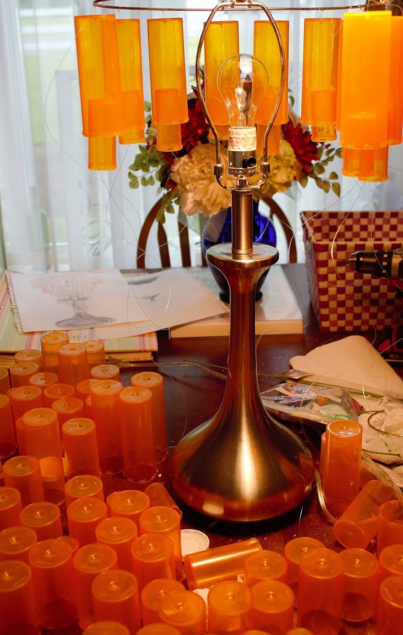 Подвешиваем каждый на место... дизайн, лампа, мастерство, переработка, свет, творческий подход, фото, экология