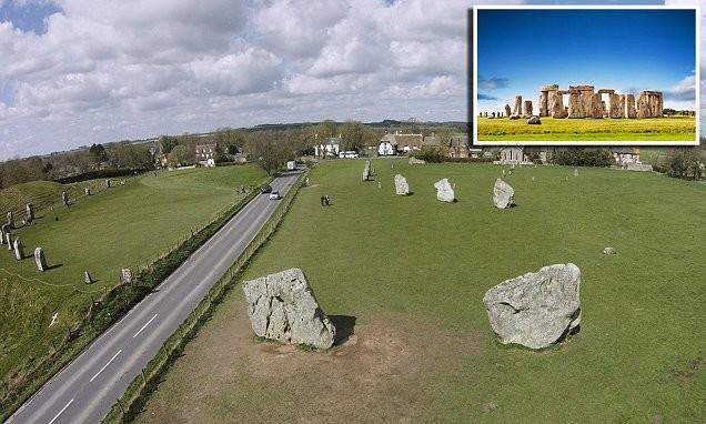 Эйвбери находится в 30 километрах от знаменитого Стоунхенджа англия, загадка, камни, памятник, стоунхендж, тайна, фото, эйвбери