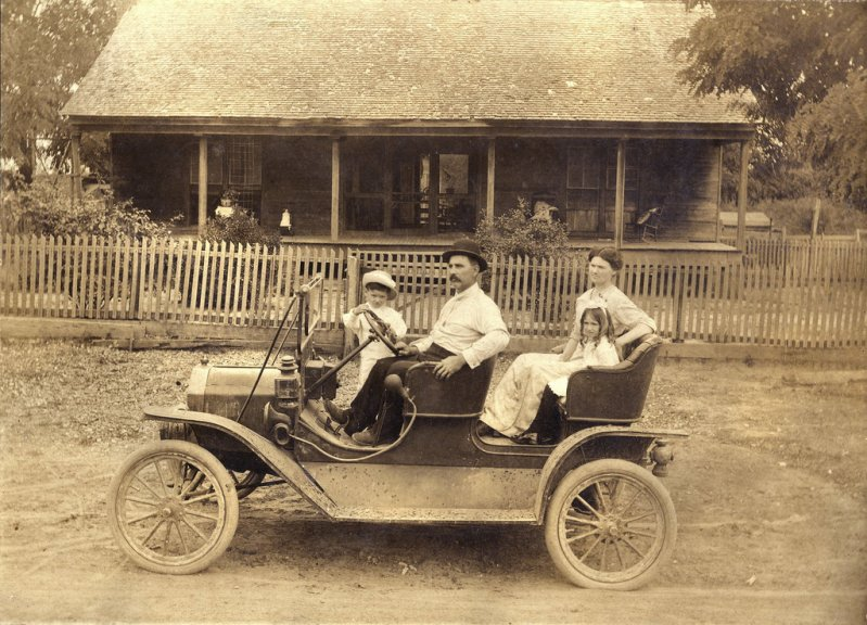 1909 - 1910 Ford Model T Tourabout винтажные фото, история, олдтаймер, ретро, ретро авто, ретро фото, старина, фото