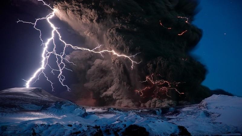 Мощный разряд молнии порождает опасную ударную волну. интересное, катастрофа, молнии, факты