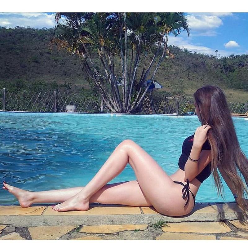 """Бразильянка со сногшибательными формами бросила вызов """"силиконовым"""" моделям внешность, вызов, модель, силикон, тело, фигура, формы"""
