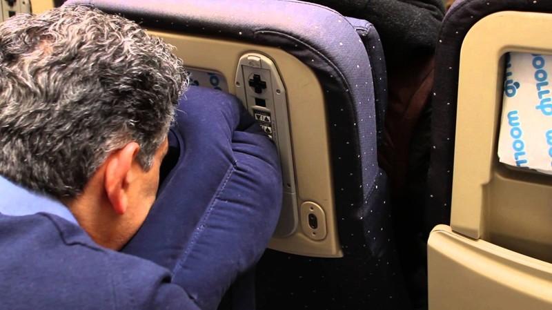 Одеяла и подушки в самолетах стирают крайне редко авиация, аэропорты, безопасность, невероятно, неприятная правда, перелеты, самолеты, экипаж
