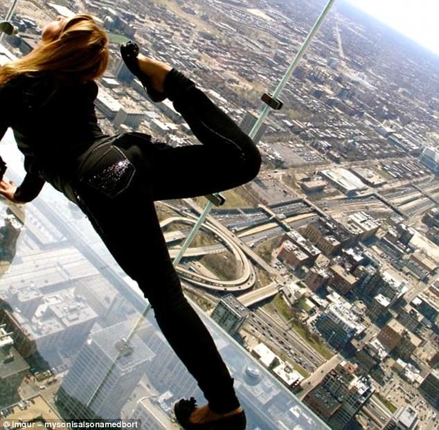 Самые странные йоги мира забавно, йога, йоги, неуместное упражнение, ноги вместе уши шире, смешно, увлечение, фото