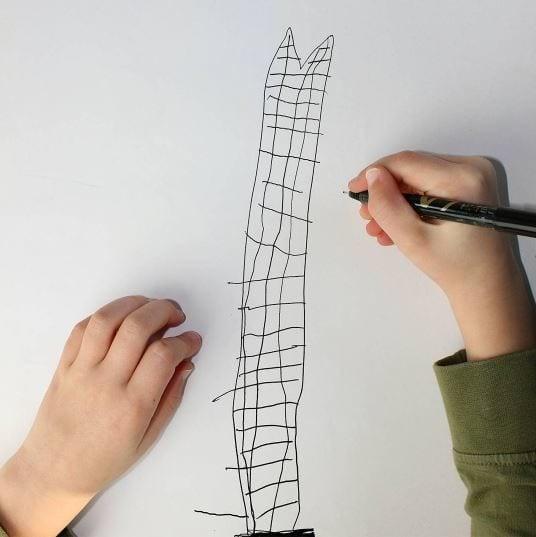 Так маленький художник видит The Shard — небоскрёб в Лондоне Instagram, дети, иллюстрации, креатив, рисунки, творчество, фотошоп, юмор
