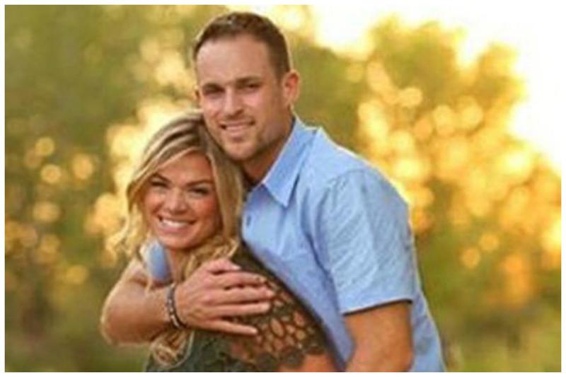 На первый взгляд это обычная влюбленная пара. Но посмотрите на эти фото внимательнее! Любовь, инвалидность, история, пара