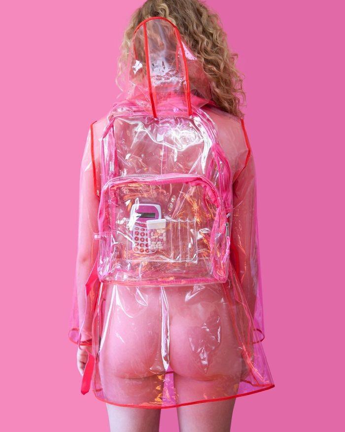 18. В Род-Айленде нельзя носить прозрачную одежду в мире, закон, люди, нелепость, прикол, сша, юмор