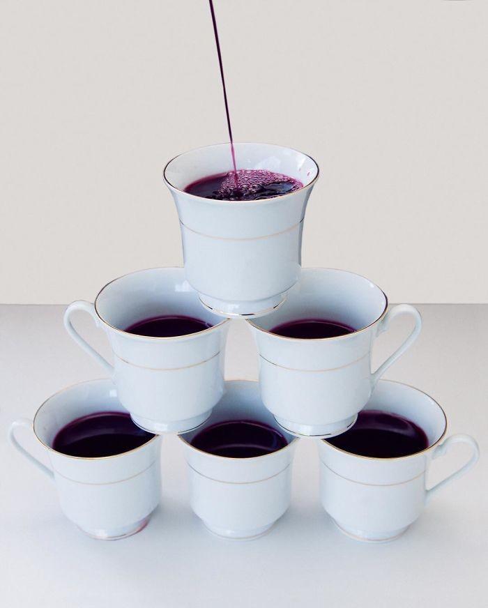 20. В Канзасе подавать вино в чайных чашках запрещает закон штата в мире, закон, люди, нелепость, прикол, сша, юмор