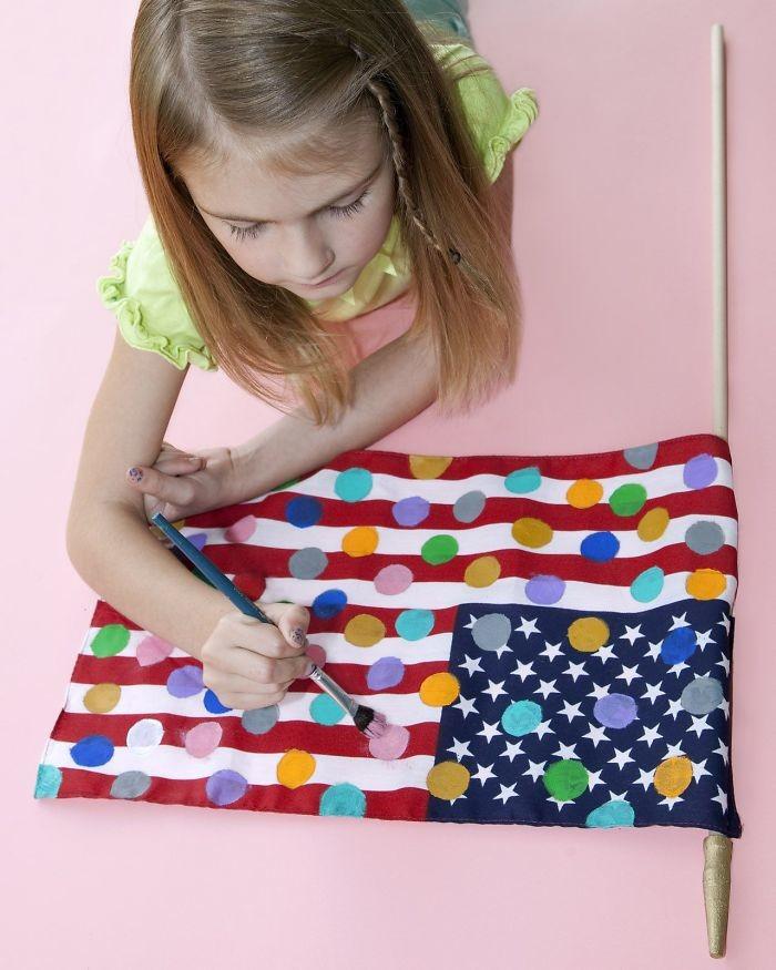 23. В штате Вашингтон нельзя рисовать точки на американском флаге в мире, закон, люди, нелепость, прикол, сша, юмор