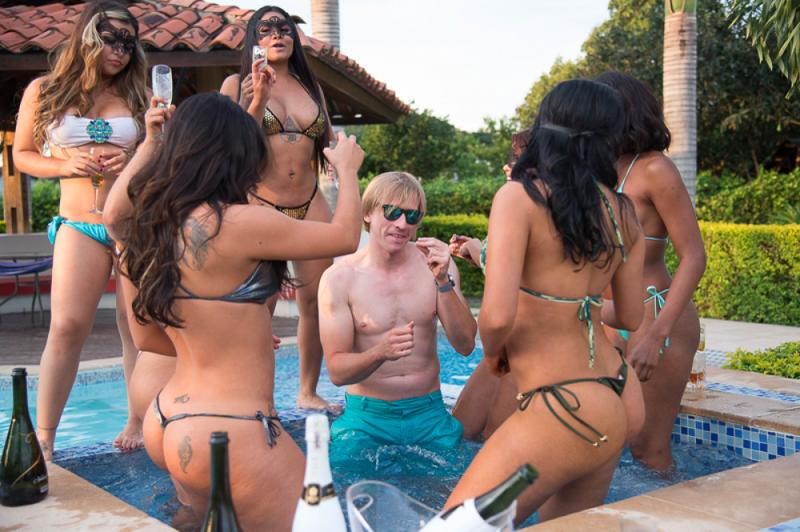 Секс-курорт «все включено» для тех, кому приелся Геленджик вечеринка, девушки, колумбия, курорт, отдых, отпуск, секс-туризм, туризм