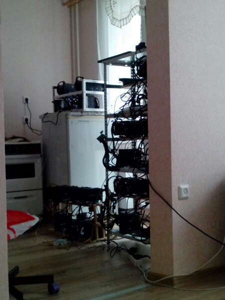 Вот так выглядят квартиры майнинг-фермеров видеокарта, деньги, криптовалюта, майнинг, прикол, работы, юмор