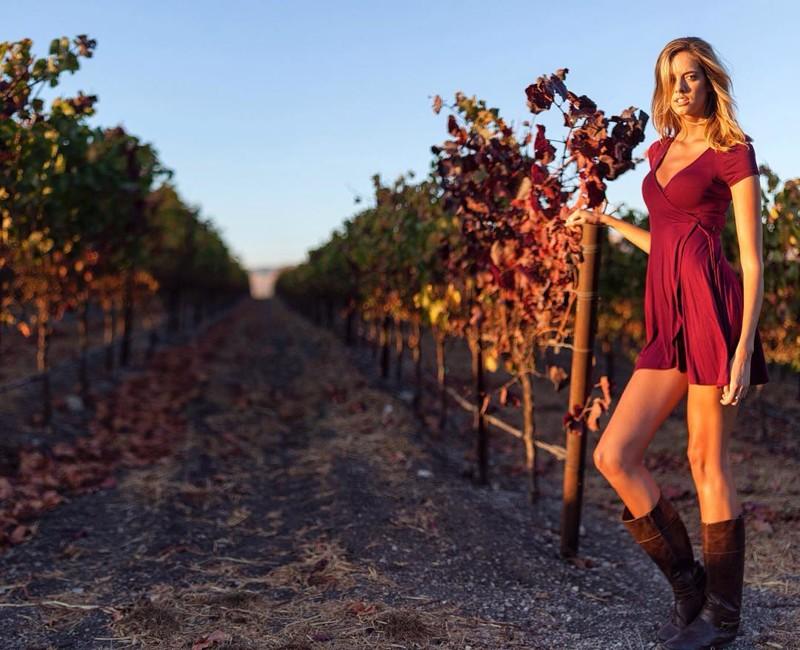 """Эта """"Мисс самые длинные ноги"""" настолько высокая, что заставит вас почувствовать себя хоббитом Чейз Кеннеди, в мире, девушка, люди, модель, ноги, рост, фигура"""
