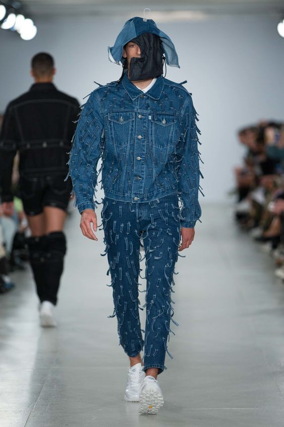 Современные дизайнеры видят мужчин на каблуках и в блестках! Закончилась неделя мужской моды. Итоги абсурд, как должен выглядеть мужчина, кошмар, мужская мода, фото
