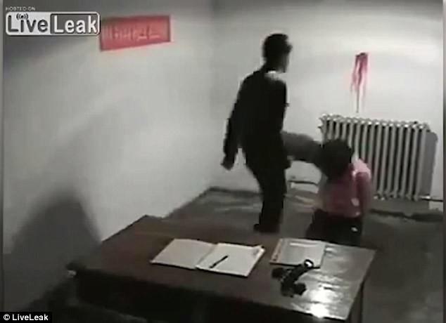 Сексуальные пытки женщин на видео