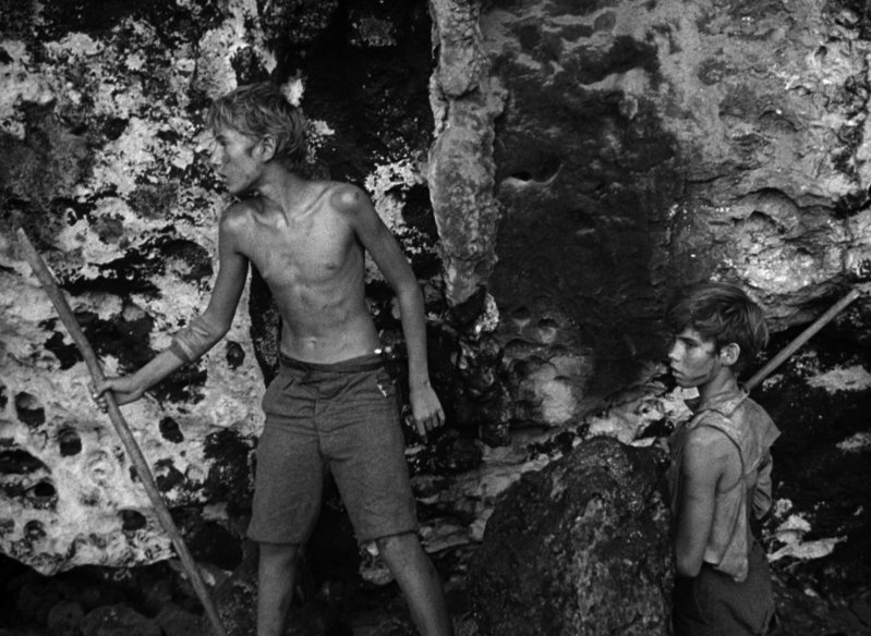 lord of the flies a picture of our current society Lord of the flies bases its plot upon a much earlier novel by rm balantyne called the coral island this is the tale of three british lads who get shipwrecked on a south pacific island during the the novel 'lord of the flies' is considered to be a reflection or illustrative allegorical novel of our society.